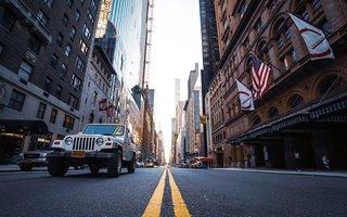 new-york-street-cars.jpg